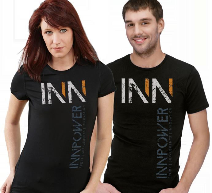 Modelos con las camisetas técnicas de Innpower